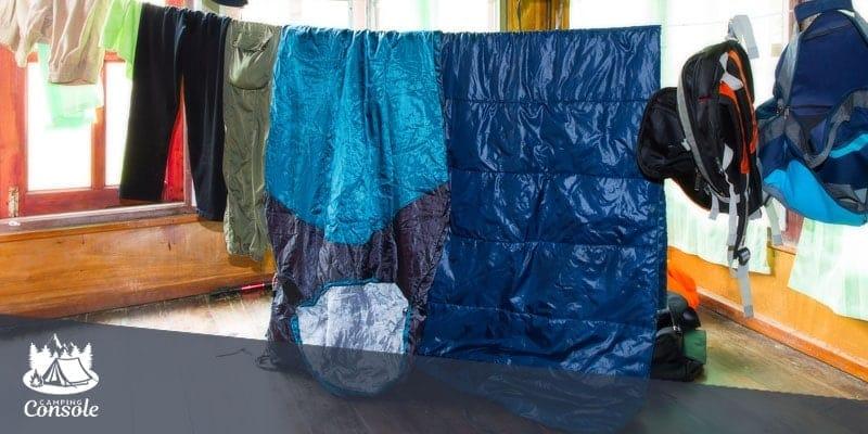 Hanging sleeping bags